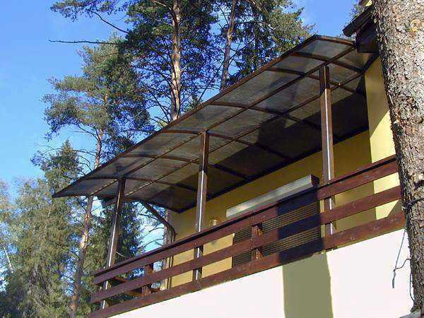 Как сделать навес на балконе на даче.